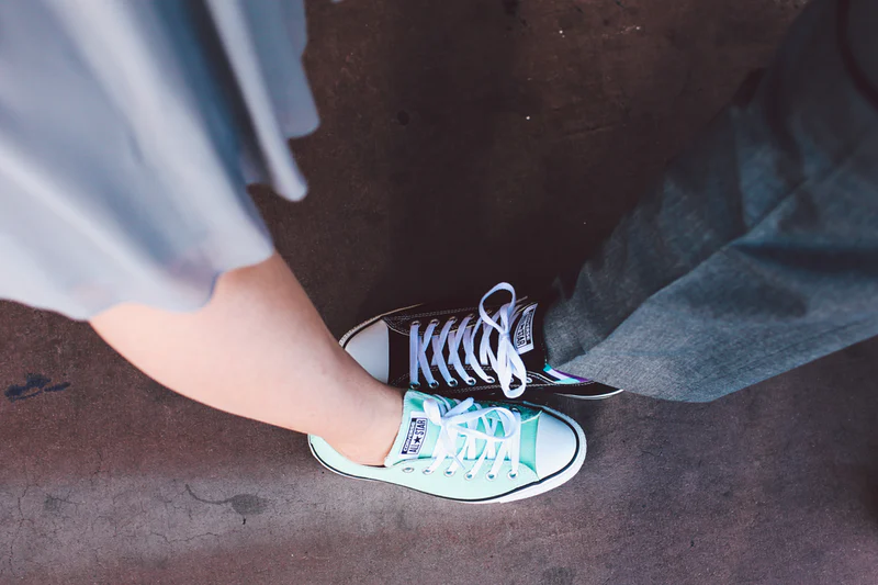 casual wedding trends converse