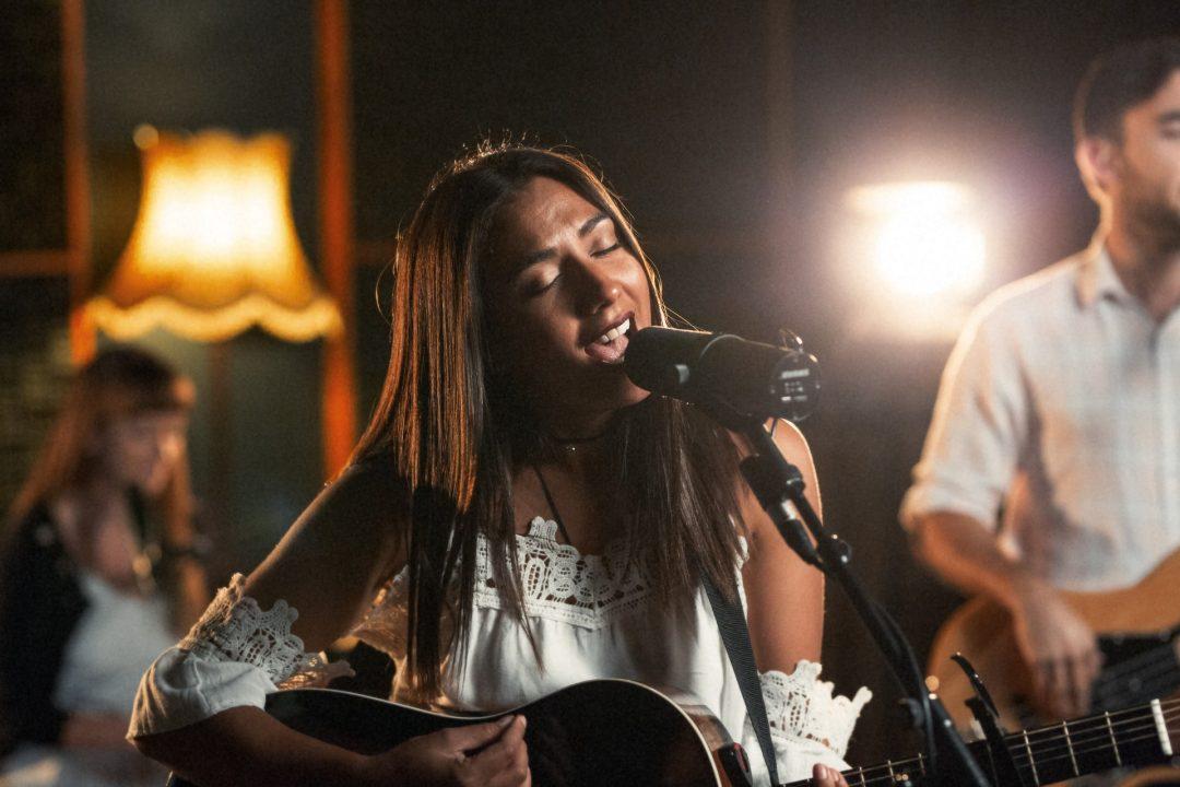 Acoustic Singers - Wedding Entertainment ideas