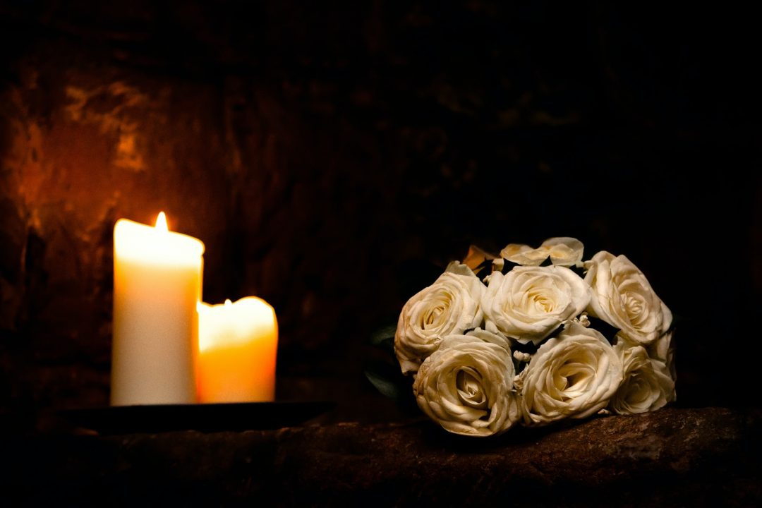 wedding flowers with candle