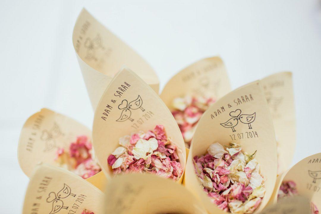 Natural wedding confetti alternative, dried petals