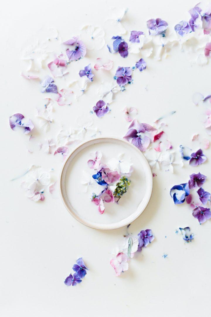 Purple flowers wedding confetti alternative