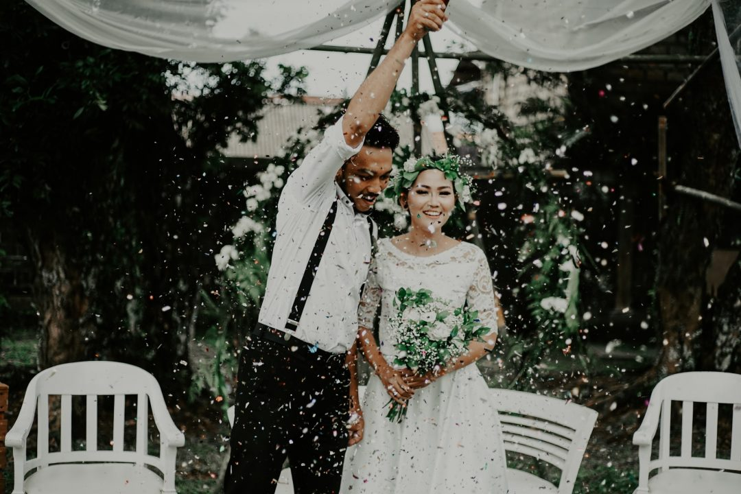 Wedding ceremony confetti cannon